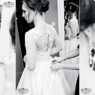 bride preparation photography